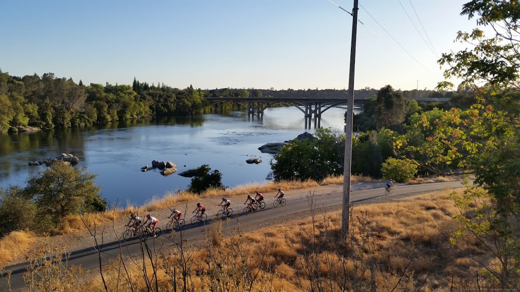 American River Bike Trail (c) Associated Press