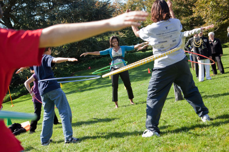 FLOTUS Hula Hooping - Healthy Kids Fair - Official White House Photo by Samantha Appleton
