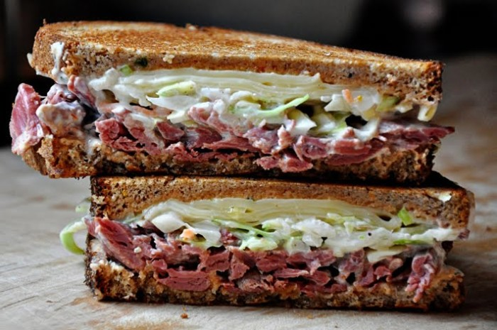 how to build a reuben sandwich