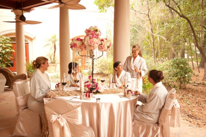 How to host spa parties tips for the perfect pampering parties at home mobile spa party solutioingenieria Gallery
